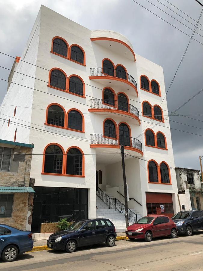 Foto Edificio Comercial en Venta en  1ro de Mayo,  Ciudad Madero  EXCELENTE EDIFICIO EN VENTA EN EL CENTRO DE CD. MADERO CON ESTACIONAMIENTO AMPLIO EN SOTANO