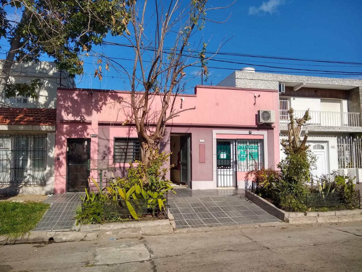 Foto Casa en Venta en  Sargento Cabral,  Santa Fe  Quintana al 1700