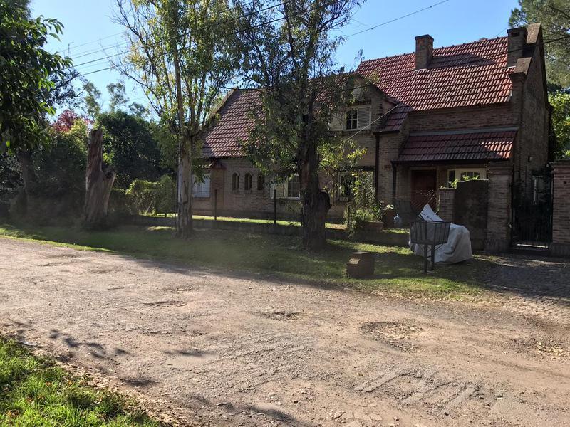 Foto Casa en Venta en  Altos Del Barranco,  Countries/B.Cerrado (Pilar)  JUNIN al 1500