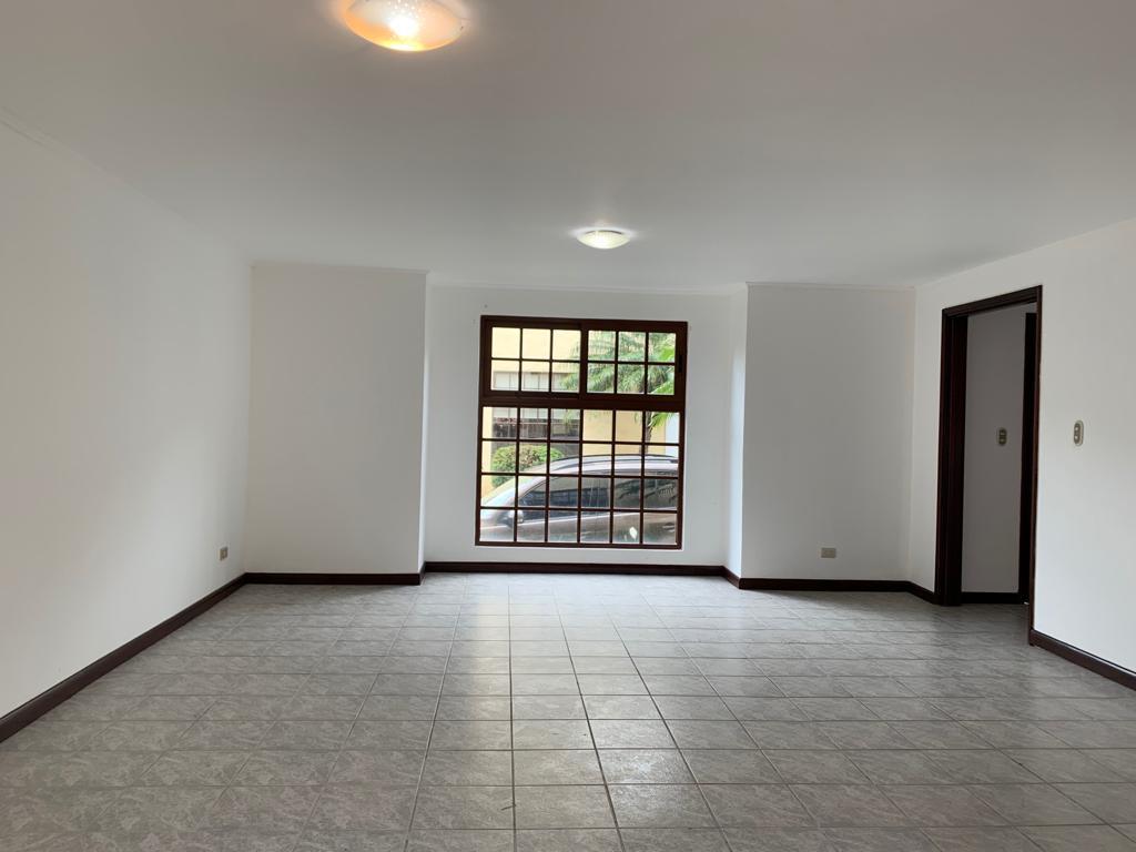 Foto Casa en condominio en Venta en  Escazu,  Escazu  Amplia Casa en Alquiler en Escazu $1350