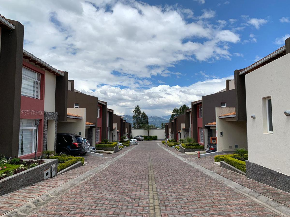 Foto Casa en Venta en  Tumbaco,  Quito  La Morita,  Tumbaco