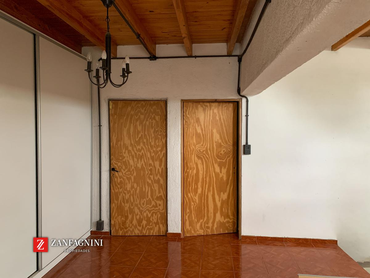 Foto Casa en Venta en  Rivadavia ,  Mendoza  Gargantini 250