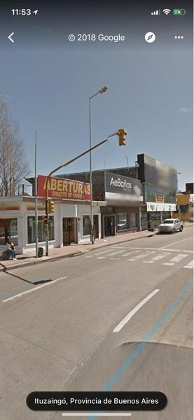 Foto Local en Venta en  Ituzaingó ,  G.B.A. Zona Oeste  Presidente Peron al 7100