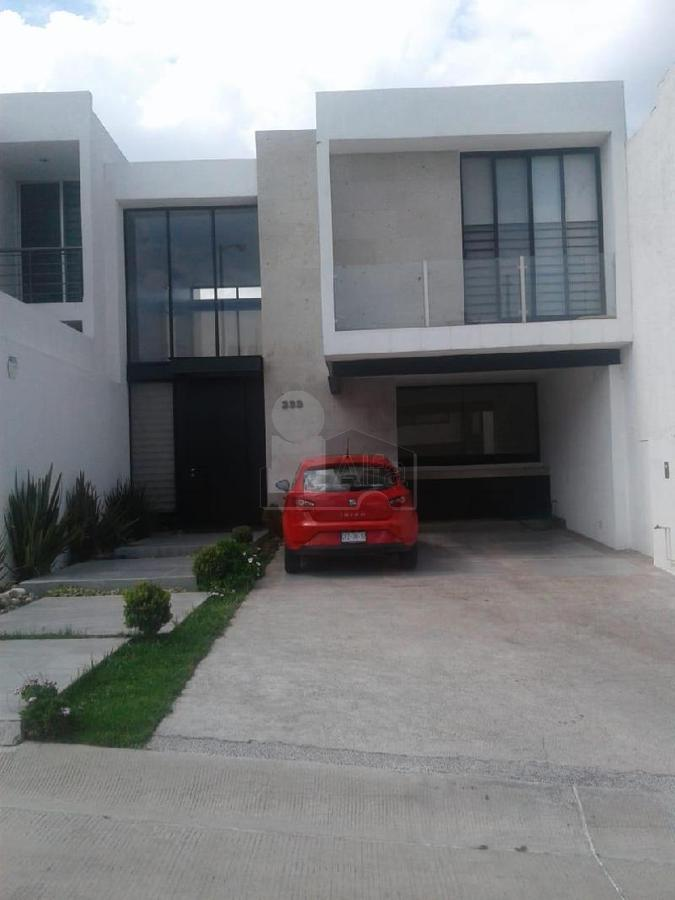 Foto Casa en Venta en  Fraccionamiento Barranca del Refugio,  León  al 37300