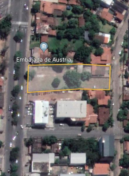 Foto Terreno en Venta en  San Jorge,  Santisima Trinidad  Av. Aviadores del chaco c/ Av. Santísima Trinidad