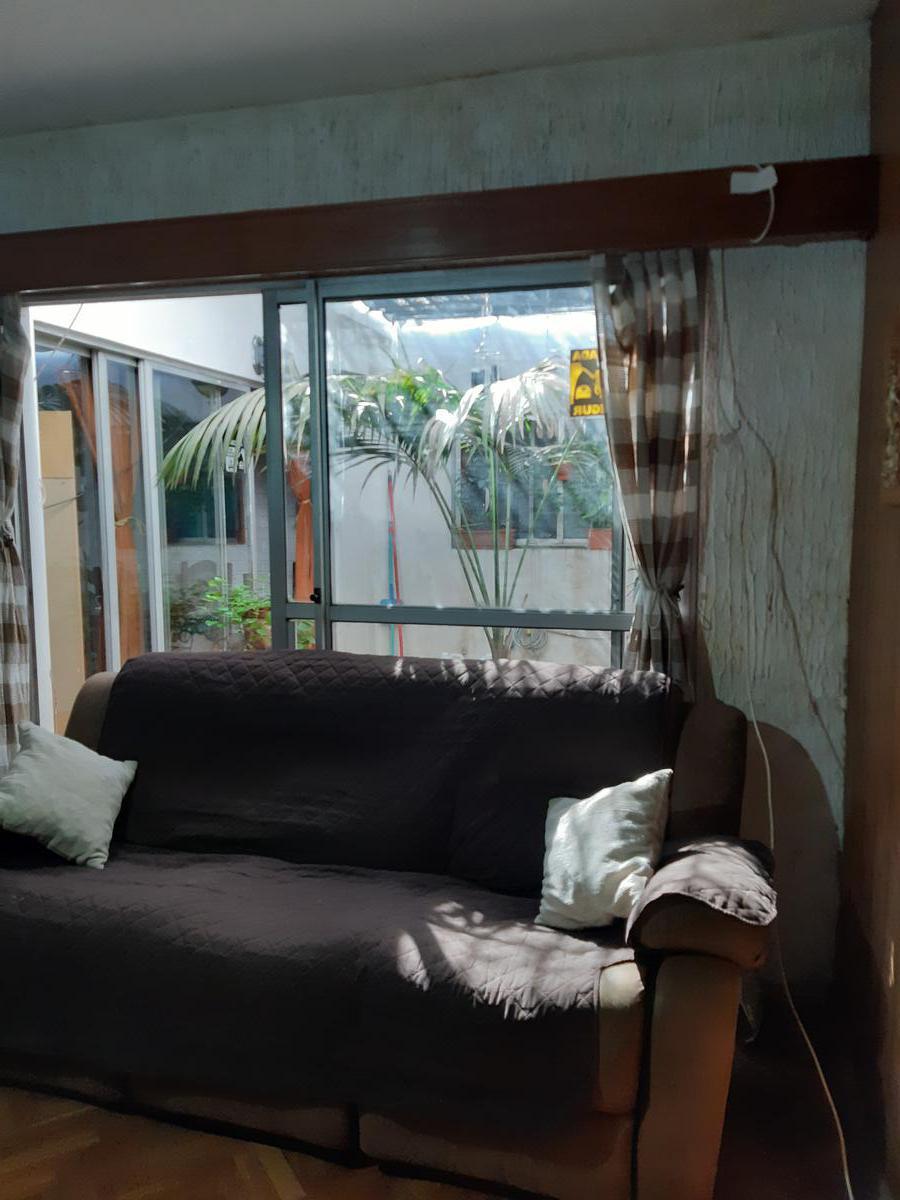 Foto Casa en Venta en  Aguada ,  Montevideo  Casa 3 - 4 dormitorios y garaje en Aguada, patio y azotea grande