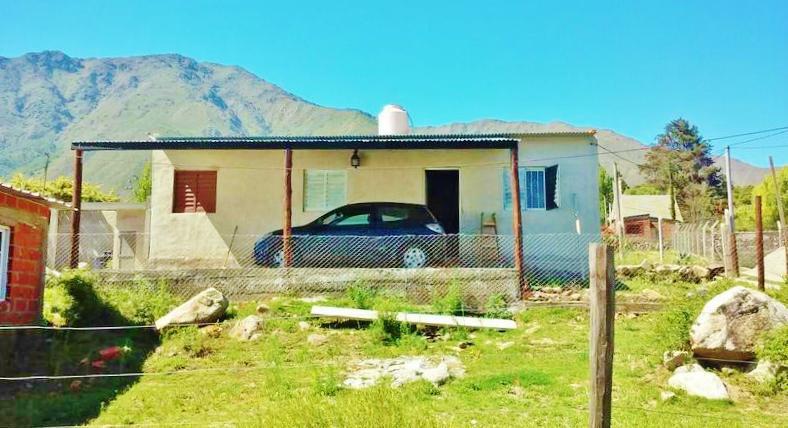 Foto Casa en Venta en  El Mollar,  Tafi Del Valle  CASA EN VENTA EL MOLLAR- CERCA DEL CENTRO 2 DORM. GALERÍA. ASADOR. VISTA AL LAGO.