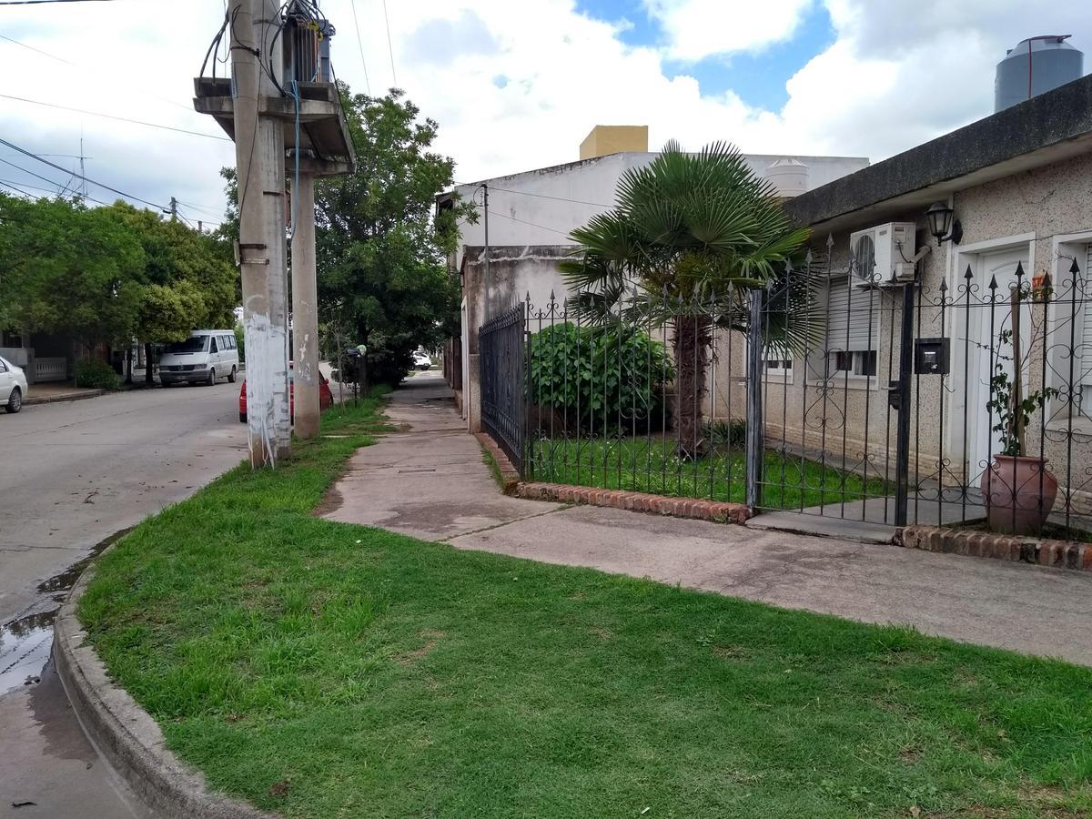 Foto Casa en Venta en  Altos de Vélez Sársfield,  Cordoba Capital  Dr Horacio Martinez al 3700