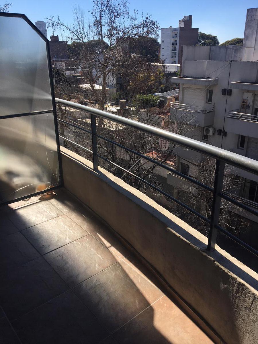 Foto Departamento en Alquiler en  Macrocentro,  Rosario  Vera Mujica 540 04-02
