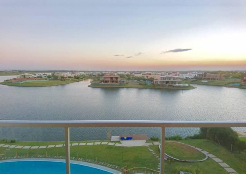 Foto Departamento en Venta en  Acqua,  Islas del Golf  AV del Golf al 100