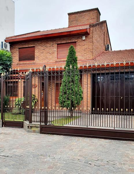 Foto Casa en Venta en  Lomas de Zamora Oeste,  Lomas De Zamora  ESTOCOLMO 372 e/ Santa Filomena y Muzzilli
