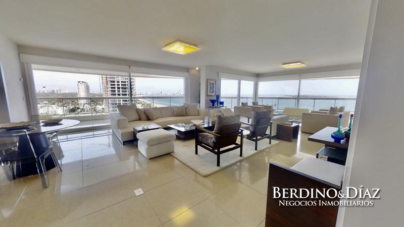 Foto Departamento en Venta en  Playa Mansa,  Punta del Este  Espectacular Apartamento Unificado en Aquarela