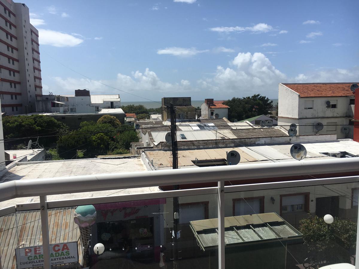 Foto Departamento en Alquiler en  Mar De Ajo ,  Costa Atlantica  Yrigoyen 251 - 2°A
