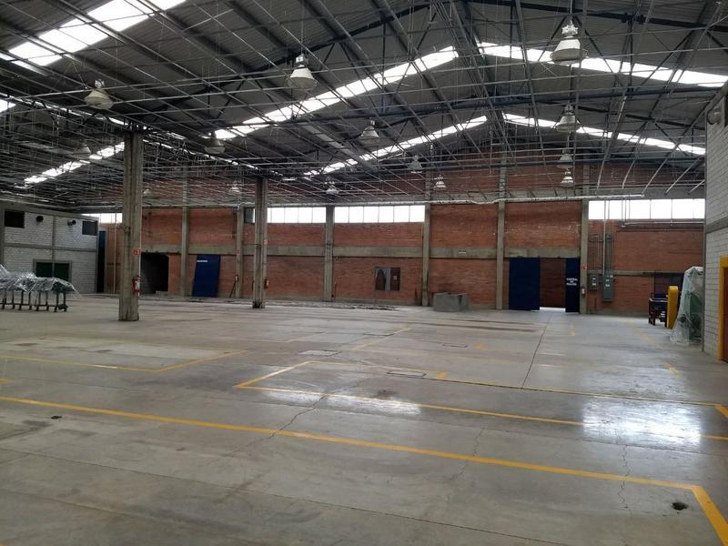 Foto Nave Industrial en Renta en  Parque industrial Puebla 2000,  Puebla  RENTA DE NAVE CON OFICINAS 1,520 M2, AUTOPISTA, TRANSFORMADOR