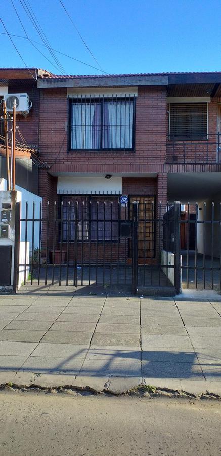 Foto Casa en Venta en  San Justo,  La Matanza  J Marmol al 2100