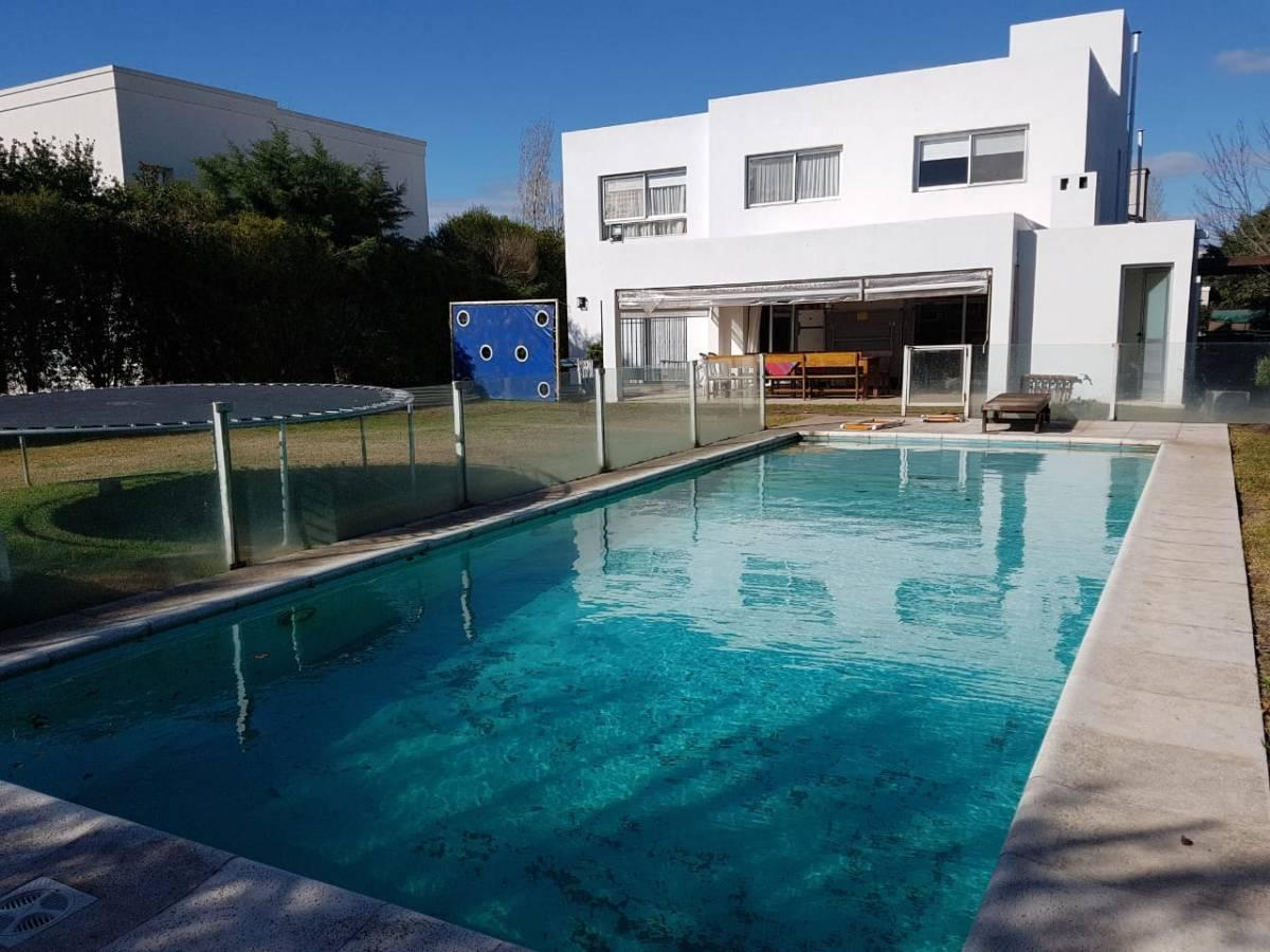 Foto Casa en Venta en  St. Mathews Village,  Pilar  St. Mathews Village