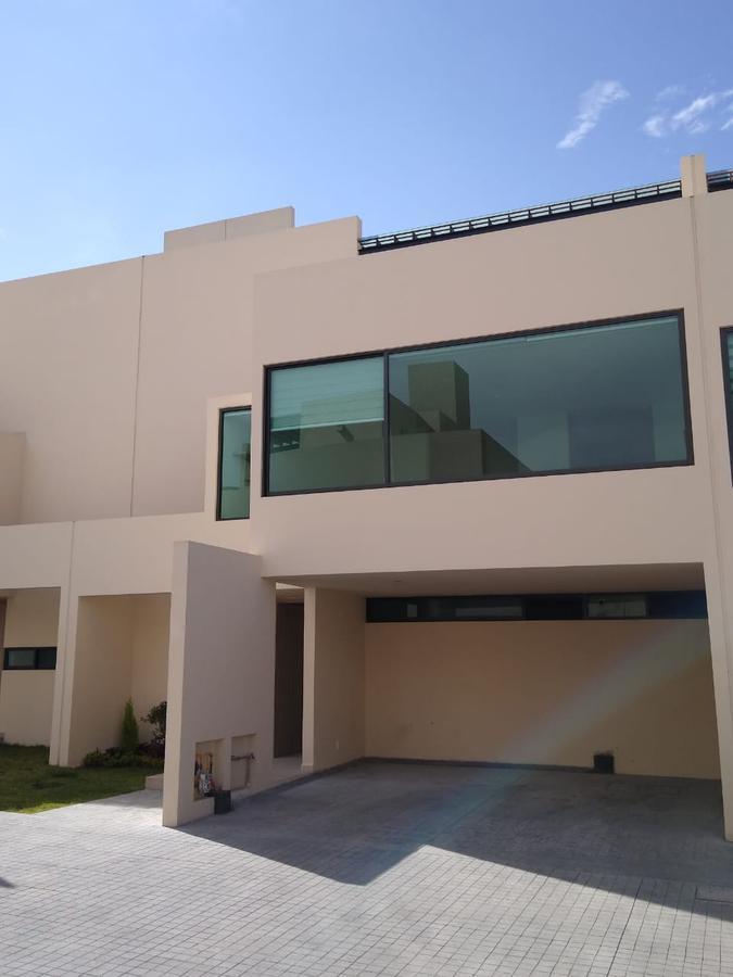 Foto Casa en condominio en Renta en  Santa Ana TlapaltitlAn,  Toluca  CASA EN RENTA EN COMONFORT ENTRE TOLLOCAN Y AV. LAS TORRES EN TOLUCA