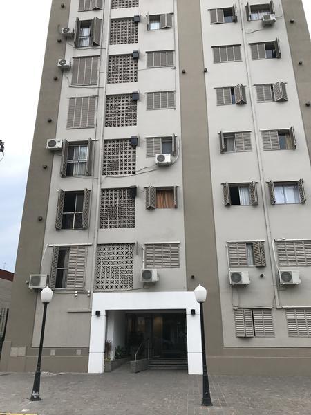 """Foto Departamento en Venta en  Lomas de Zamora Este,  Lomas De Zamora  JUNIN 136, 9no. """"F"""", e/Pozos y Av. Alte. Brown"""