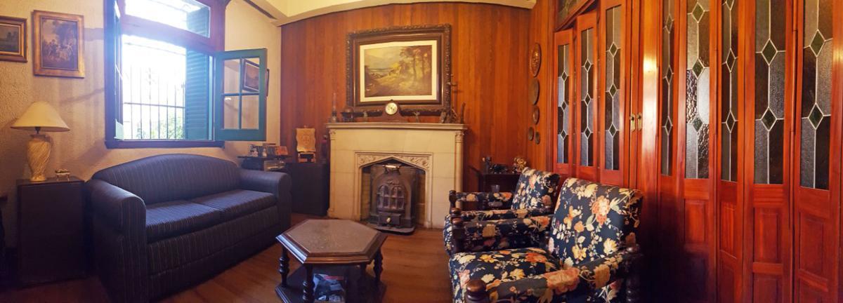 Foto Casa en Venta en  Parque Chacabuco ,  Capital Federal  Pje. Faraday al 1400