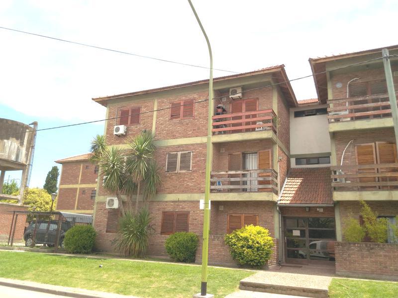 Foto Departamento en Alquiler en  Campana ,  G.B.A. Zona Norte  Saavedra al 900