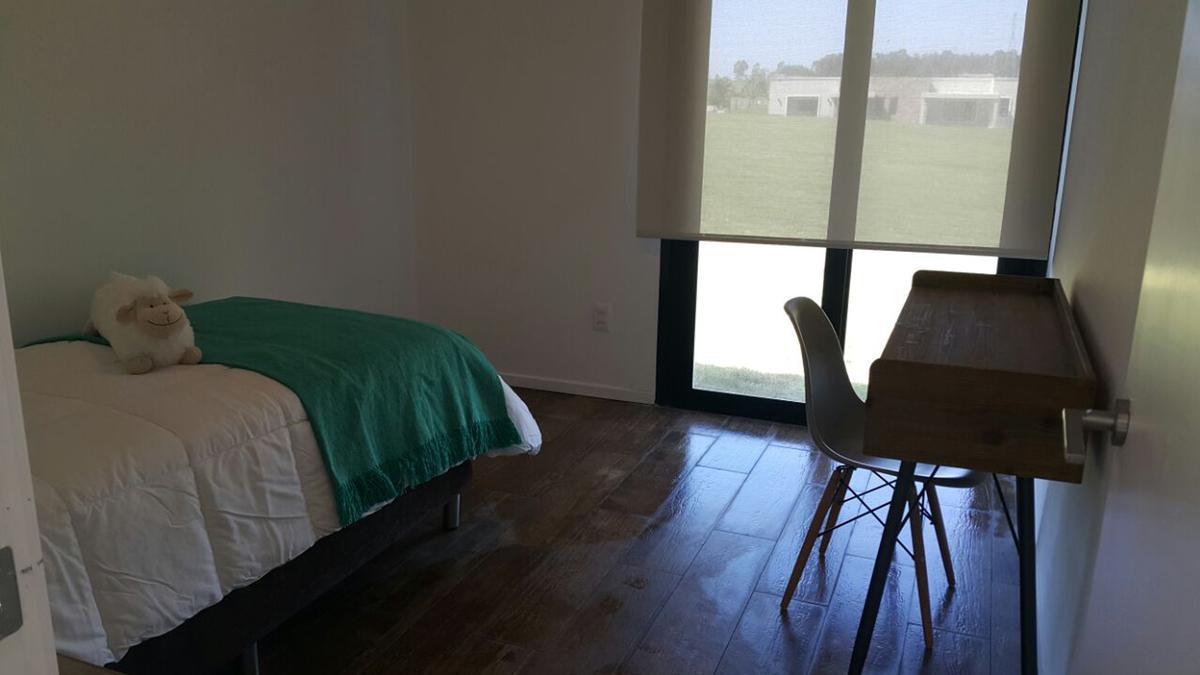 Foto Casa en Venta | Alquiler en   Colinas de Carrasco,  Countries/B.Cerrado (Carrasco)  Colinas de Carrasco