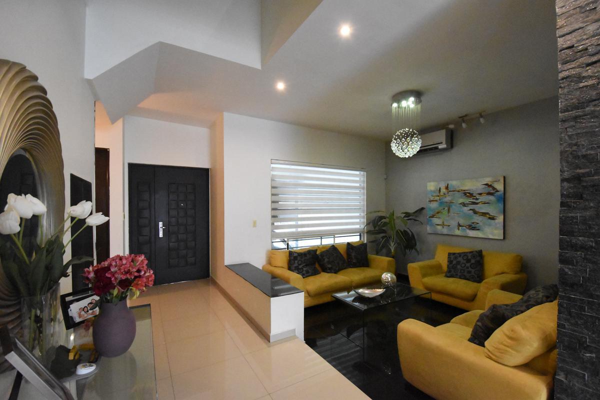 Foto Casa en Venta en  Cumbres Elite,  Monterrey  CUMBRES ELITE CIMA DEL BOSQUE