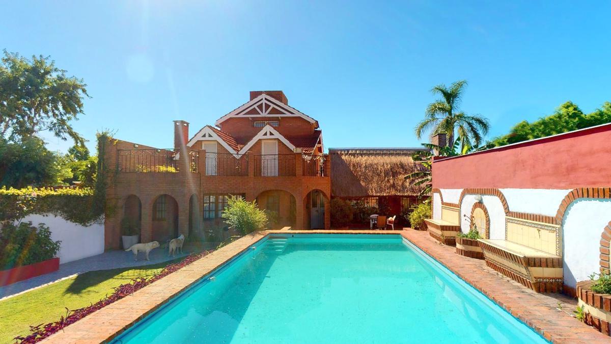 Foto Casa en Venta en  Punta Lara,  Ensenada  42 N° 1159