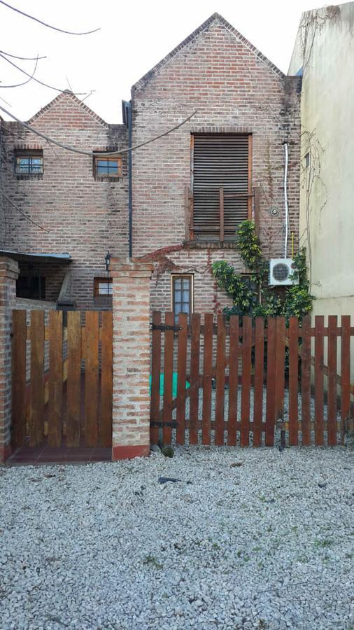Foto Casa en Venta en  City Bell,  La Plata  461 e/ 12 b y 12 a