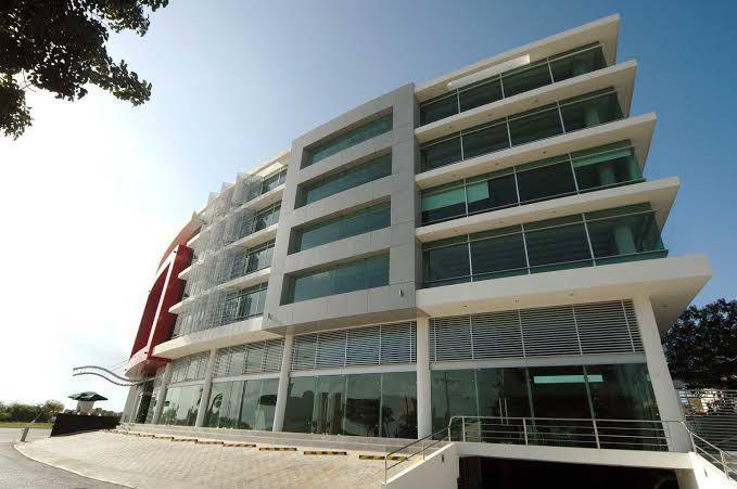 Foto Oficina en Renta en  Supermanzana 3 Centro,  Cancún  OFICINA EN VENTA/RENTA EN CANCUN EN AVENIDA BONAMPAK 77