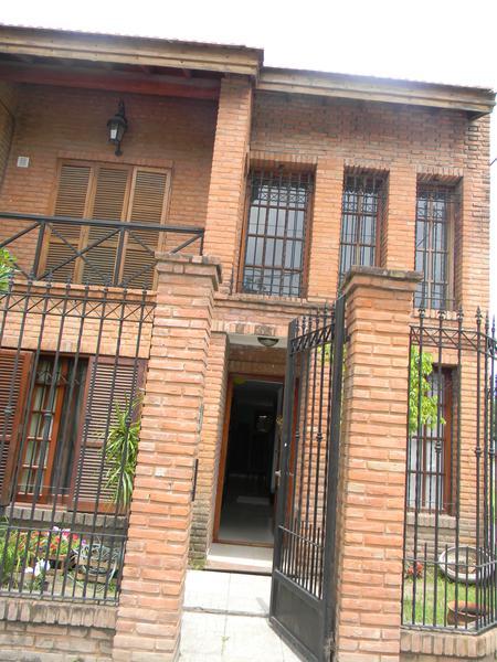 Foto Casa en Alquiler en  San Miguel,  San Miguel  GELLY y OBES al 1800