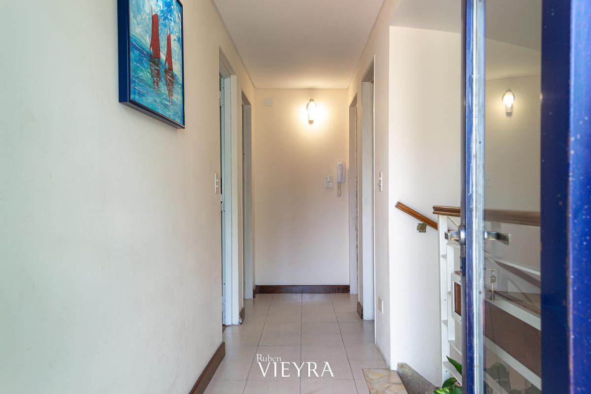 Foto Casa en Venta en  Monte Castro,  Floresta  Calderon de la Barca al 2100