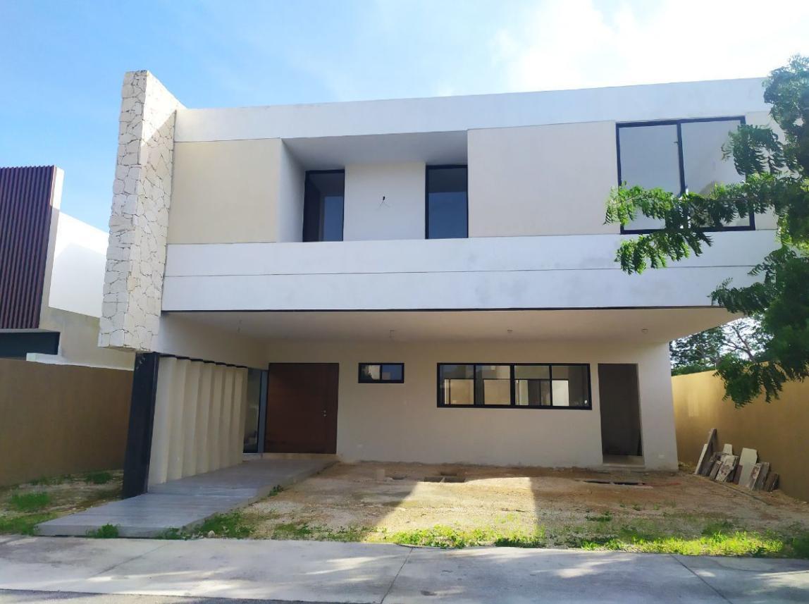 Foto Casa en Venta en  Temozon Norte,  Mérida  CASA EN PRIVADA SOLASTA TEMOZON