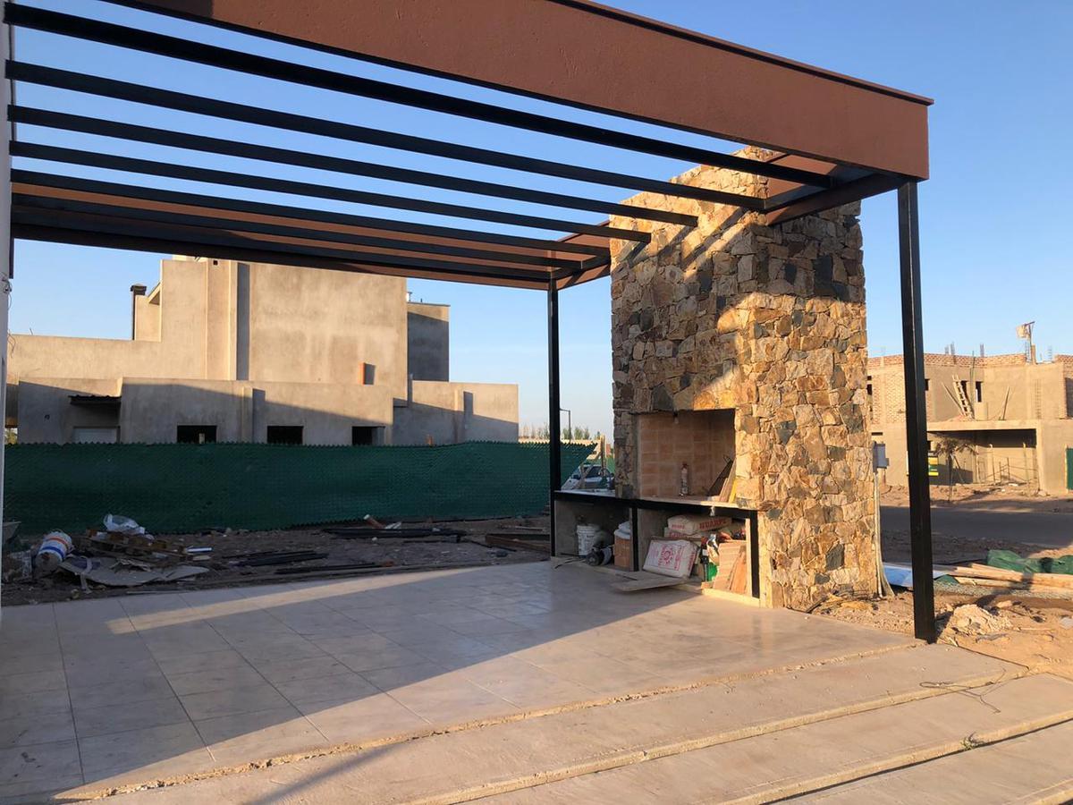 Foto Casa en Venta en  Maipu ,  Mendoza  Lar de Vieytes