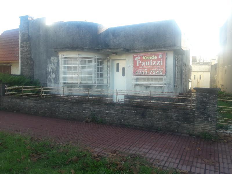 Foto Casa en Venta en  Lomas De Zamora ,  G.B.A. Zona Sur  RAMON FALCON 557
