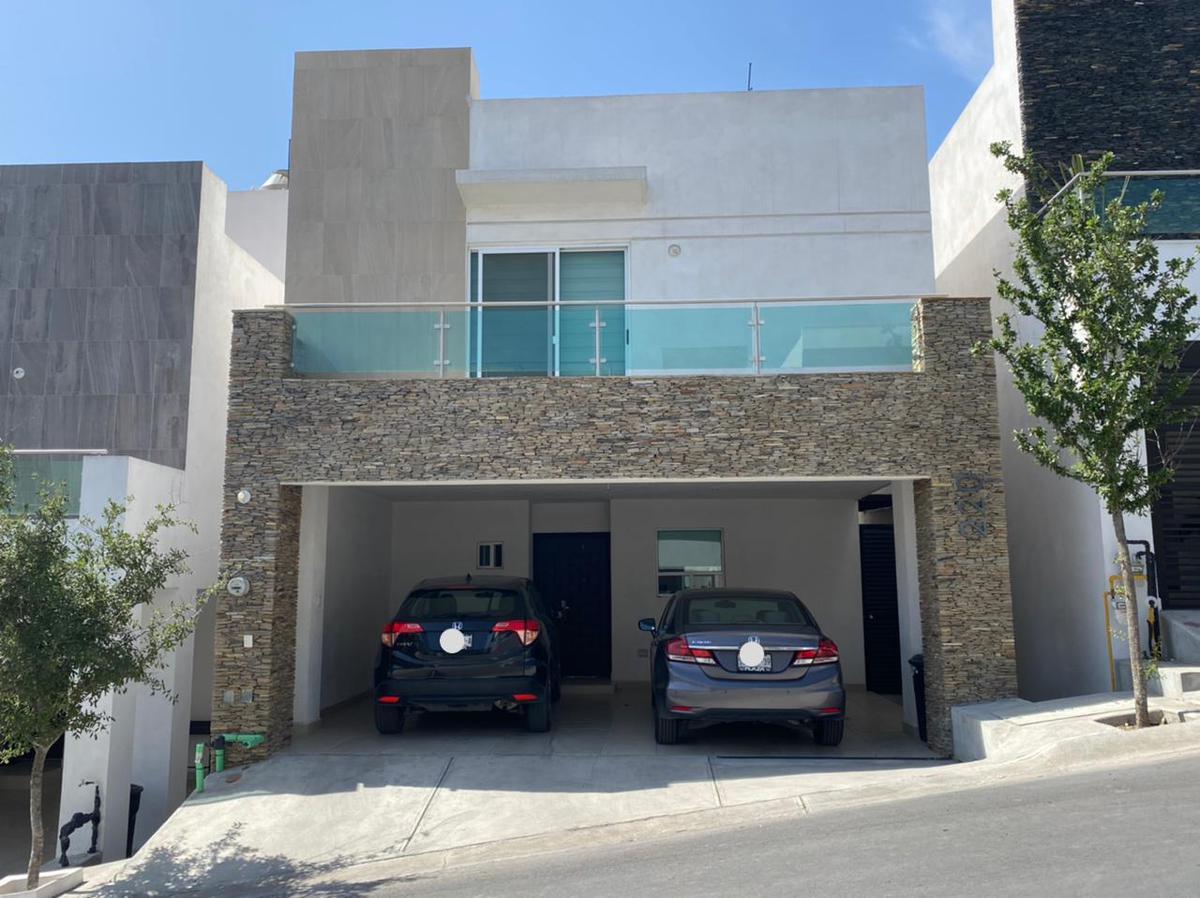 Foto Casa en Renta en  Lomas del Vergel,  Monterrey  Fraccionamiento La Perla