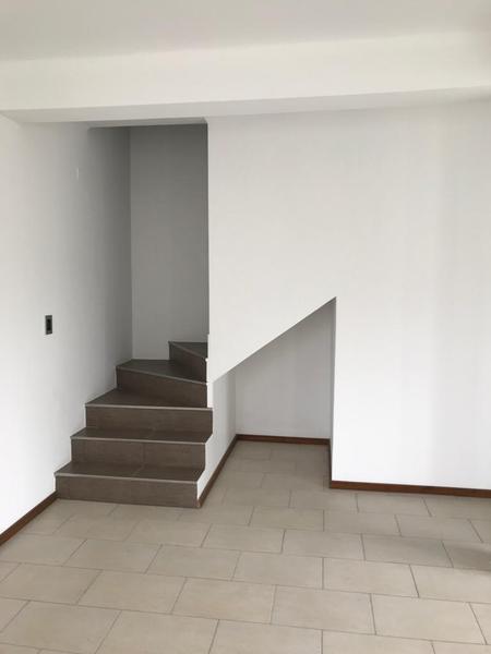 Foto Casa en Alquiler en  José Hernández,  La Plata  138 entre 517 y 518