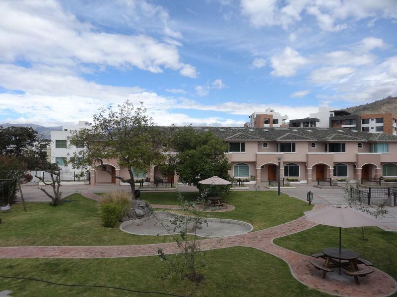Foto Casa en Venta en  Cumbayá,  Quito  CUMBAYA-LA PRIMAVERA SE VENDEN CASAS POR ESTRENAR DE TRES DOR. DESDE $235000