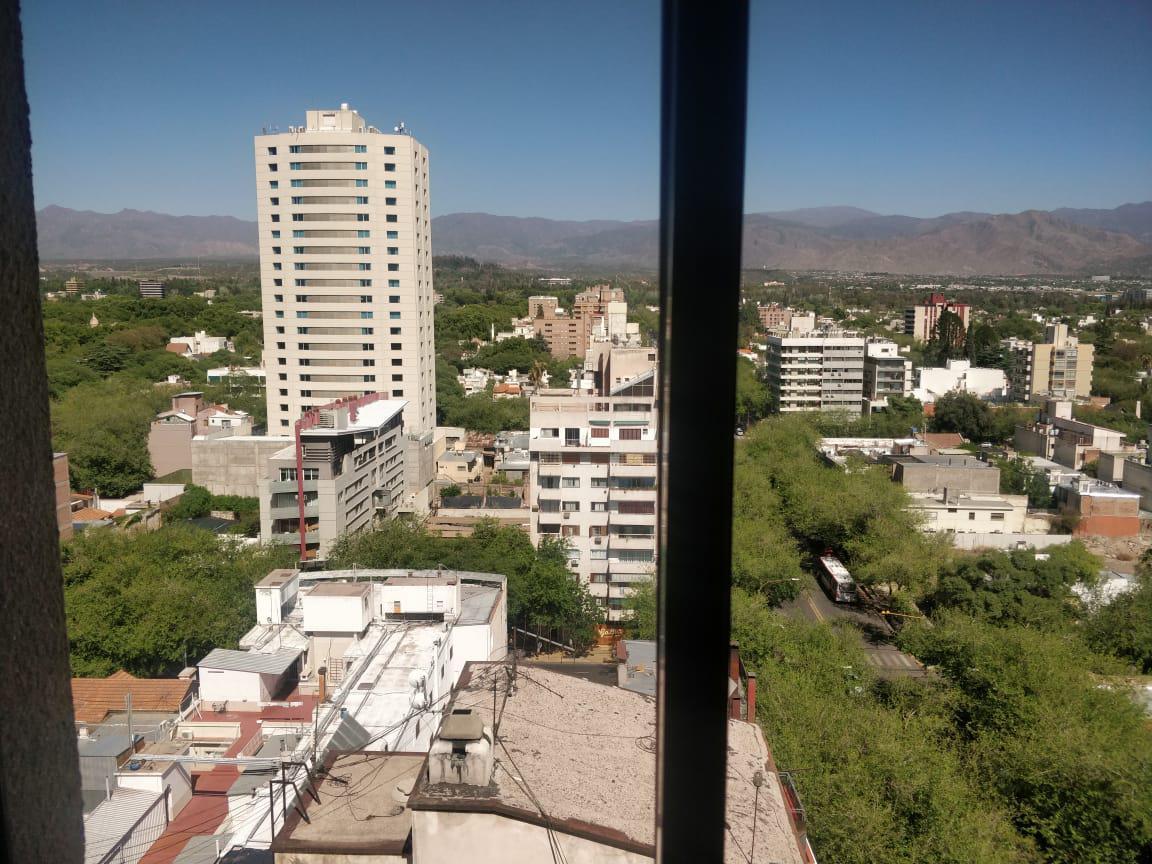 Foto Departamento en Alquiler en  Capital ,  Mendoza  25 de mayo y Sarmiento - Edificio Presidente-