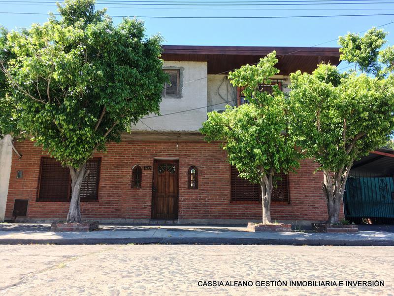 Foto Casa en Venta |  en  Lanús Oeste,  Lanús  CANADA 3244
