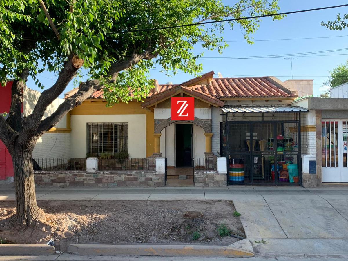 Foto Casa en Venta en  Villa Nueva De Guaymallen,  Guaymallen  Av. Godoy Cruz 2115