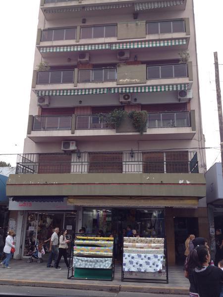 Foto Departamento en Alquiler en  Monte Grande,  Esteban Echeverria  Alem al 300