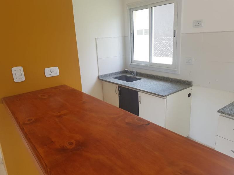 Foto Casa en Venta en  San Miguel ,  G.B.A. Zona Norte  Las cañitas Duplex  2 dormit dos baños