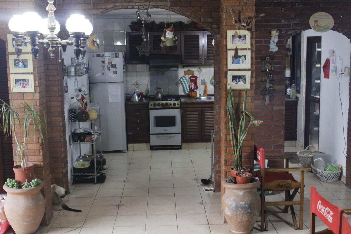 Foto Casa en Venta en  Burzaco,  Almirante Brown  CONSTANCIO VIGIL 2136 BURZACO