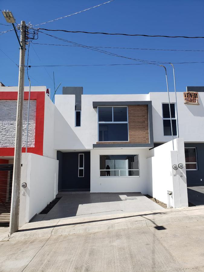 Foto Casa en Venta |  en  Morelia ,  Michoacán  AV MADERO, FRACC CAMPOS ELISEOS