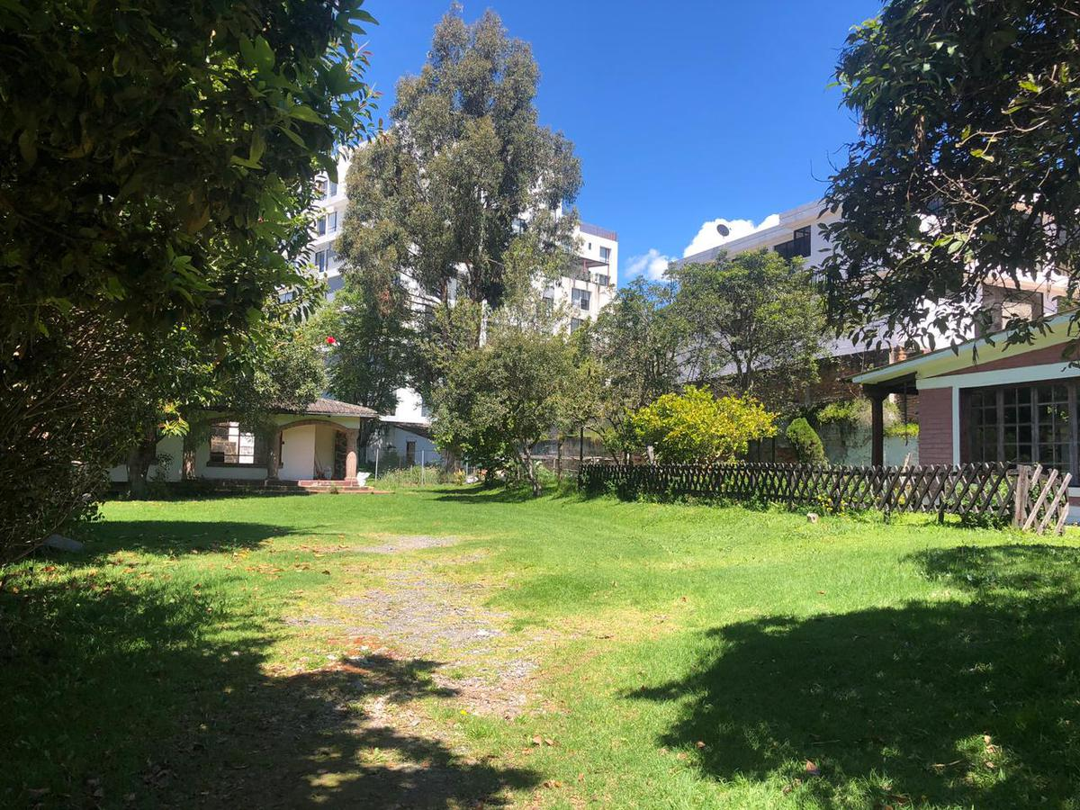 Foto Terreno en Venta en  Quito ,  Pichincha  QUITO TENNIS SE VENDE TERRENO PLANO (CR)