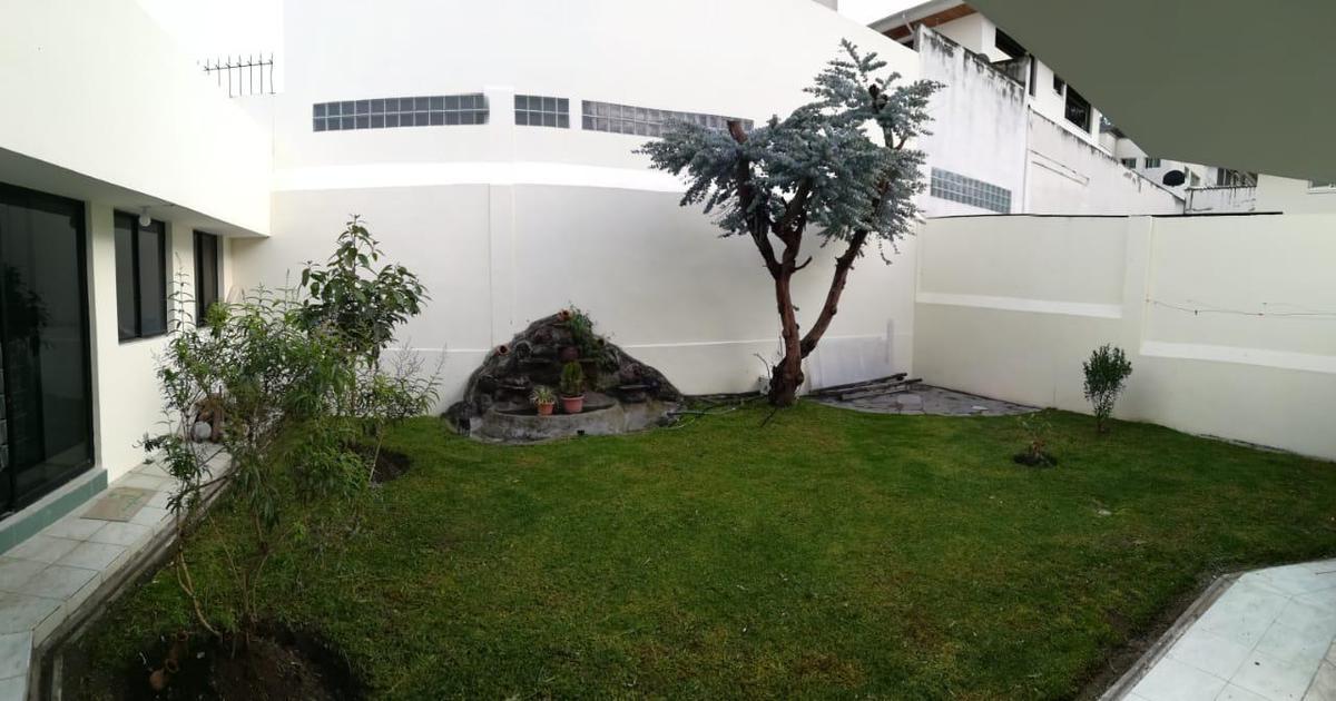 Foto Casa en Venta en  El Condado,  Quito  Urb. El Condado