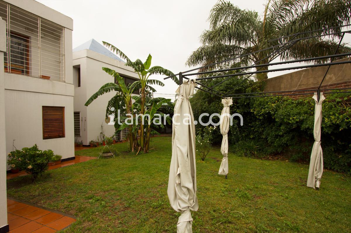 Foto Casa en Venta en  Cordoba Capital ,  Cordoba  Pasaje Alameda