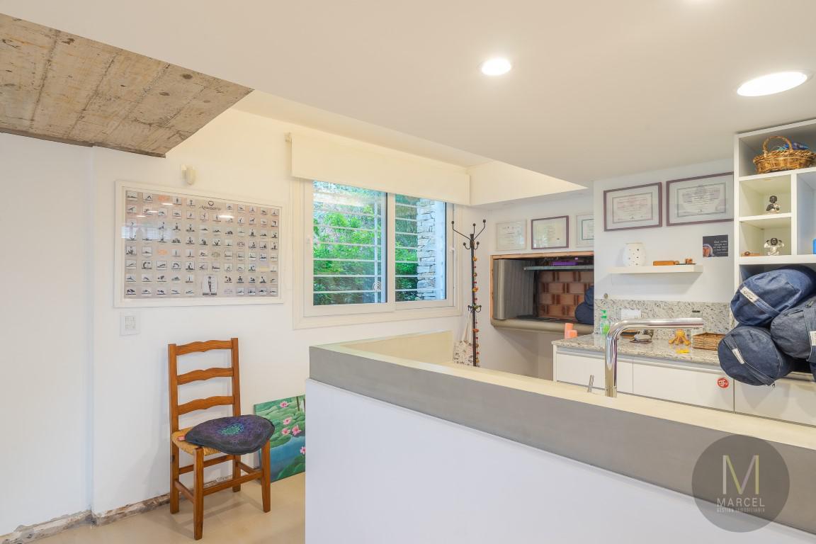 Foto Casa en Alquiler temporario en  Centro,  Pinamar  Avenida Libertador 368