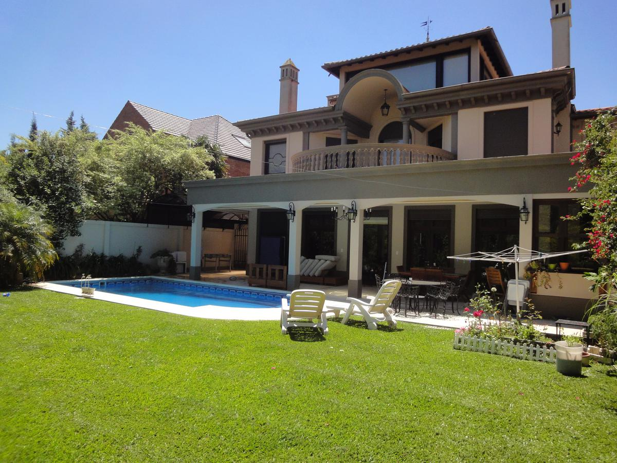 Foto Casa en Alquiler temporario en  Mart.-Libert./Rio,  Martinez  Madero al 2300