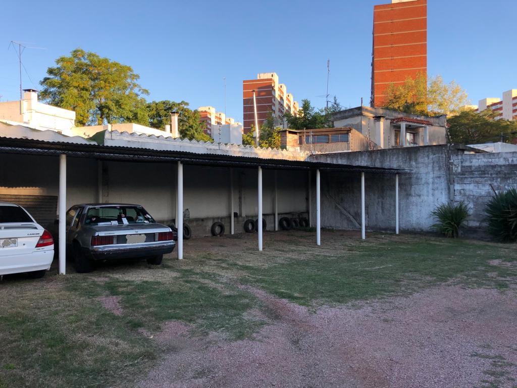 Foto Terreno en Venta en  Aires Puros ,  Montevideo  Caicobé y Valdenegro